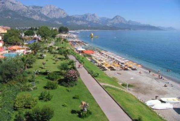 ACİL Antalya Kemerde DENİZE 300 METRE SATILIK CAZİP APART OTEL