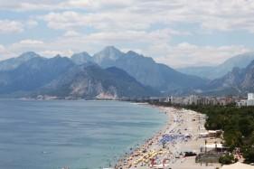 Antalya Konyaaltında Denize 300 Metre Mesafede Satılık 3 Yıldızlı OTEL