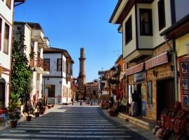 Antalya Merkezde 2 KATLI DEVREN KİRALIK CAFE BAR