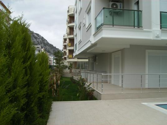 Antalya Konyaaltı Hurma Mahallesi Denize 2500 Metre Mesafede Site İçinde Satılık 1+1,2+1,3+1 Dublex Daireler