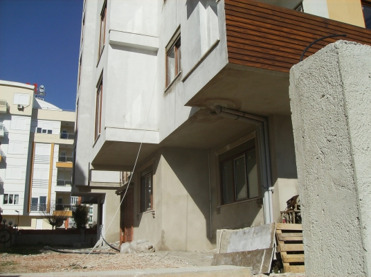 Antalya Konyaaltı Hurma Mahallesi Denize 2500 Metre Mesafede Satılık 1+1 ve 2+1 Daireler