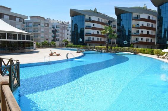 Antalya Konyaaltı Liman Mahallesinde Residence Sitede Otel Konforunda Kiralık Eşyalı 1+1 Daireler