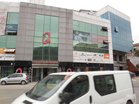 20 odalı yapılı kiralık plaza