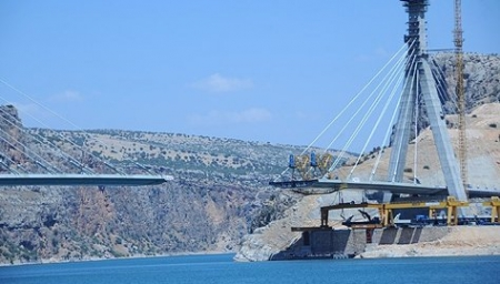 Şanlıurfa-Adıyaman arasındaki Boğaz Köprüsü bitmek üzere
